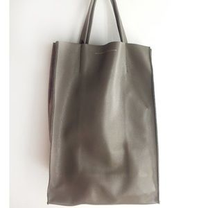 Ampersand as Apostrophe Tote